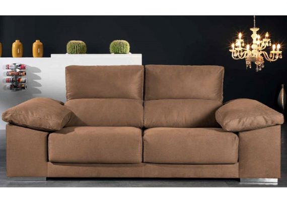 sofa-moderno-barato-brazo-ancho-puffs