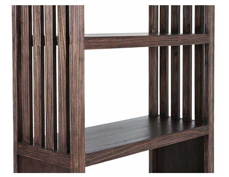 estanteria-colonial-listones-madera-oscura-detalle