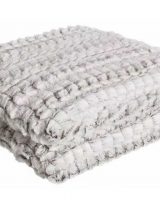 manta-sofa-pequeña-blanca-gris