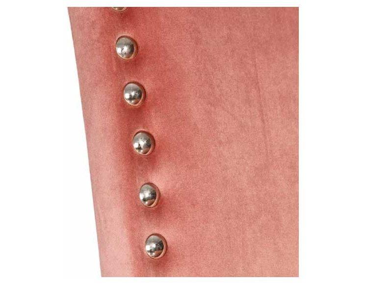 silla-terciopelo-rosa-chinchetas-detalle