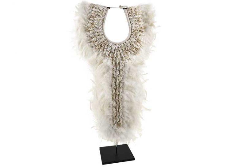 collar-decoracion-alto-blanco-plumas-caracolas