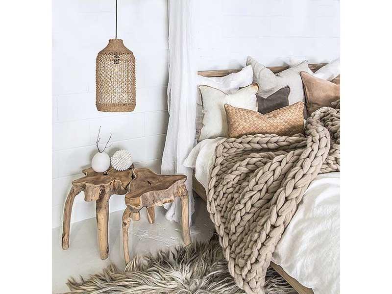 dormitorio-mesa-auxiliar-madera-natural