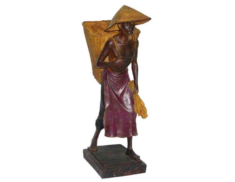 figura-oriental-cesto-espalda