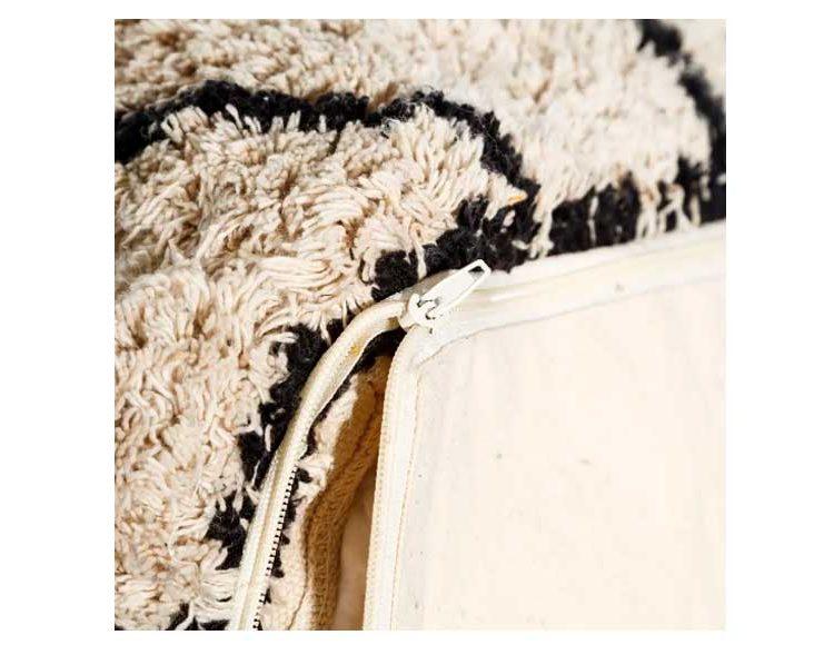 puff-algodon-blanco-negro-cremallera