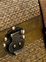 mueble-auxiliar-cajones-baul-madera-rattan-detalle
