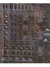aparador-etnico-marron-puertas-dibujo-jeroglifico-abierto-detalle