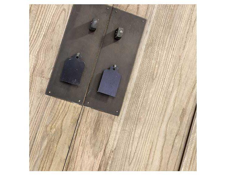 armario-oriental-alto-madera-natural-olmo-detalle