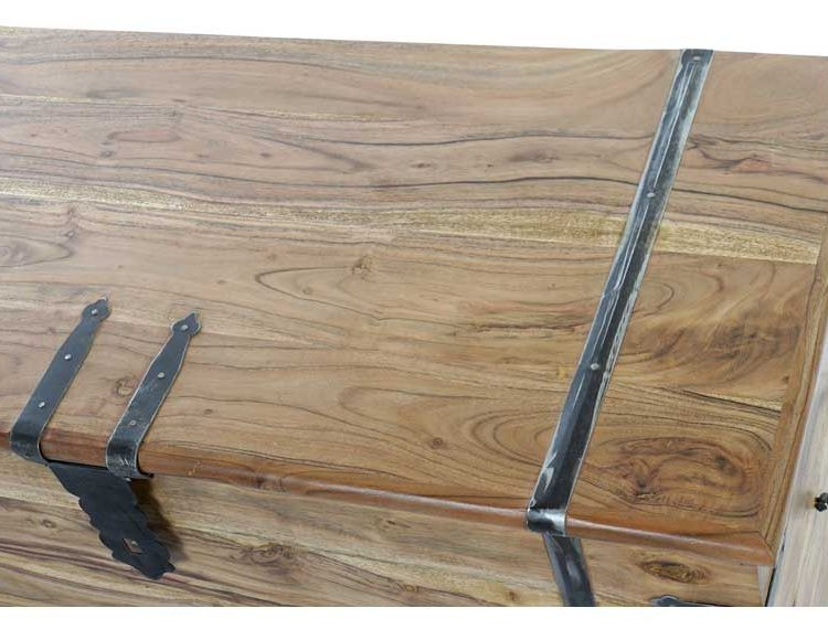 baul-madera-maciza-acacia-herrajes-100-detalle