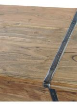 baul-madera-maciza-herrajes-detalle