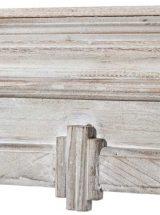 frente-chimenea-madera-blanca-sencilla-detalle