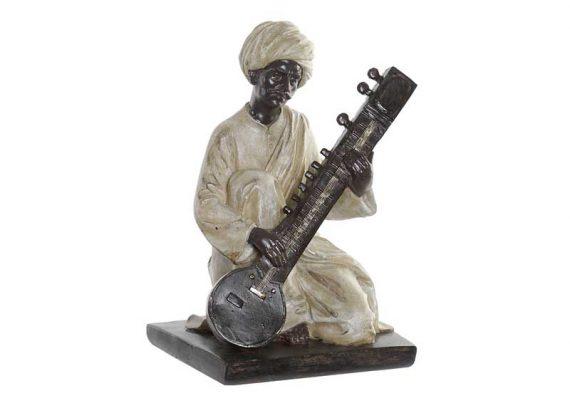 figura-hombre-hindu-sentado-sitar-detalle