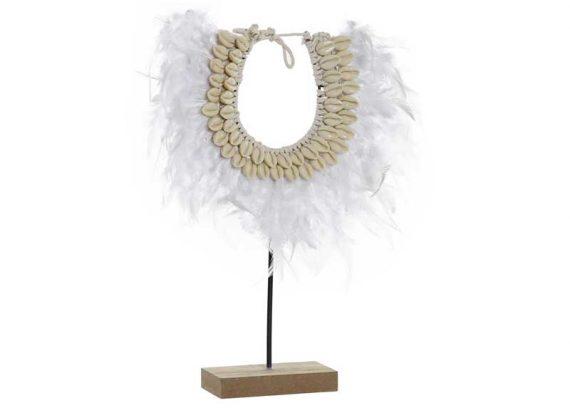 figura-collar-plumas-conchas-blanca