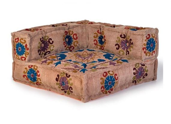 cojin-grande-sofa-suelo-marron