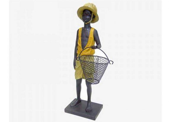 figura-niño-africano-cesta-metal-de-pie